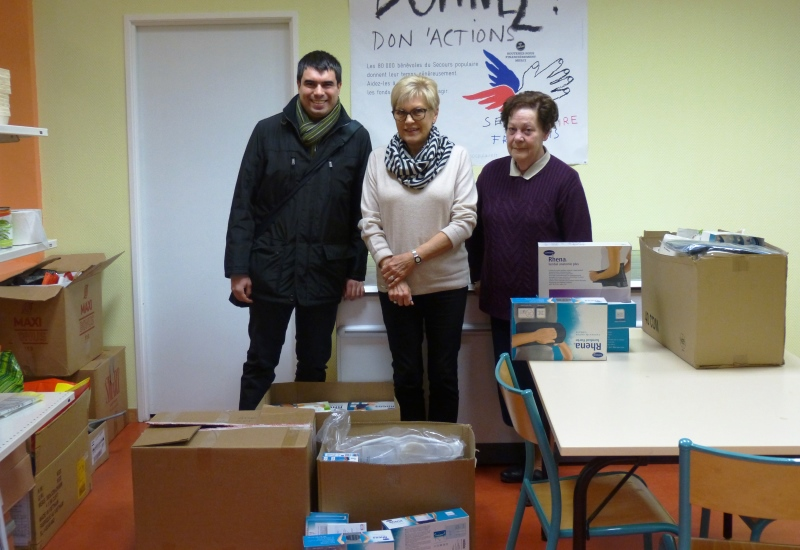 Don de 400 produits médicaux au Secours Populaire de la Moselle