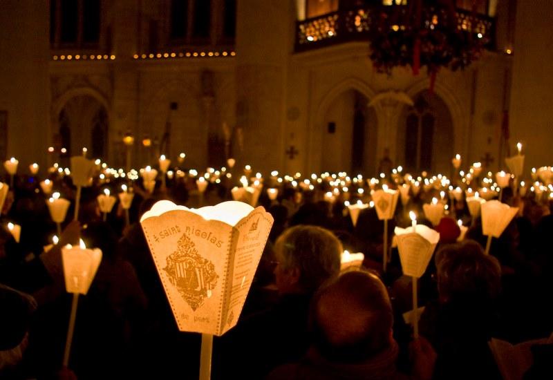 Immense ferveur pour la 771ème procession aux flambeaux de Saint-Nicolas-de-Port