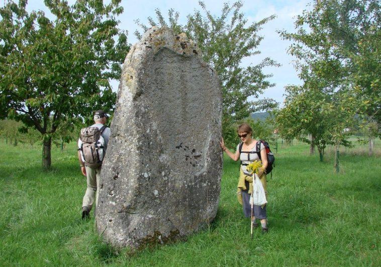 Menhir de Milly-sur-Bradon