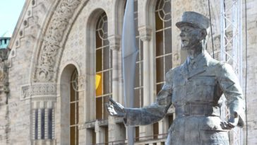 statue De Gaulle
